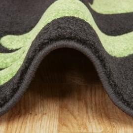 ¿Cómo quitar las manchas de tu mascota de la alfombra?