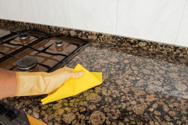 C mo limpiar el granito de tu cocina en tu departamento for Como quitar manchas de pintura de aceite del piso