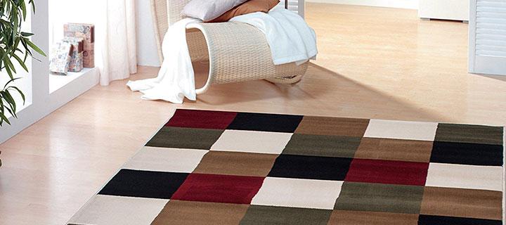 alfombras multicolores en departamentos de estreno