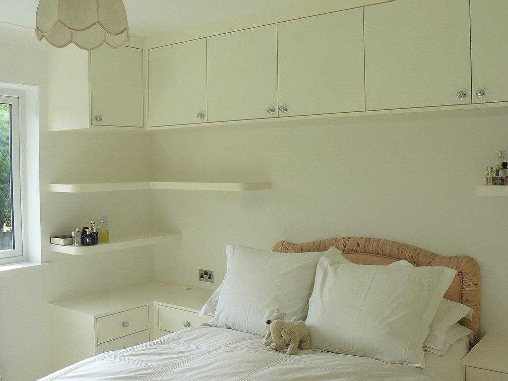 Catorce consejos para ahorrar espacio en tu dormitorio