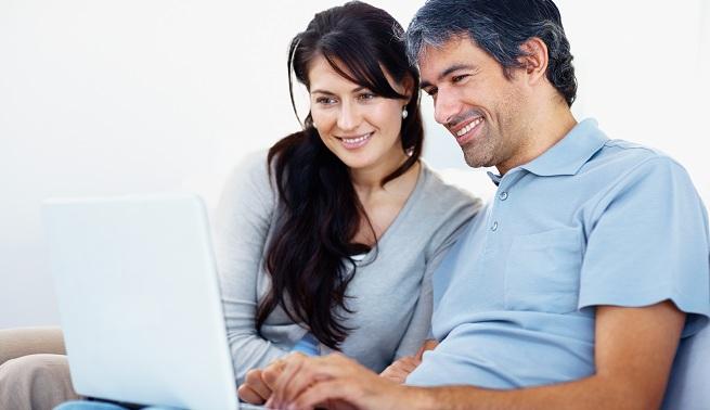 finanzas-pareja-01Ventajas y desventajas de tener cuentas mancomunadas