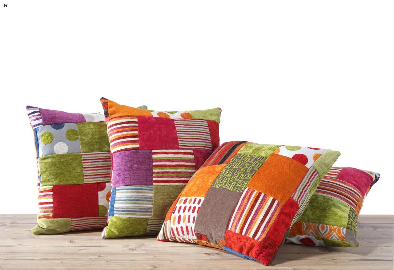 8 formas sencillas de a adir color a tu departamento - Cojines de colores ...