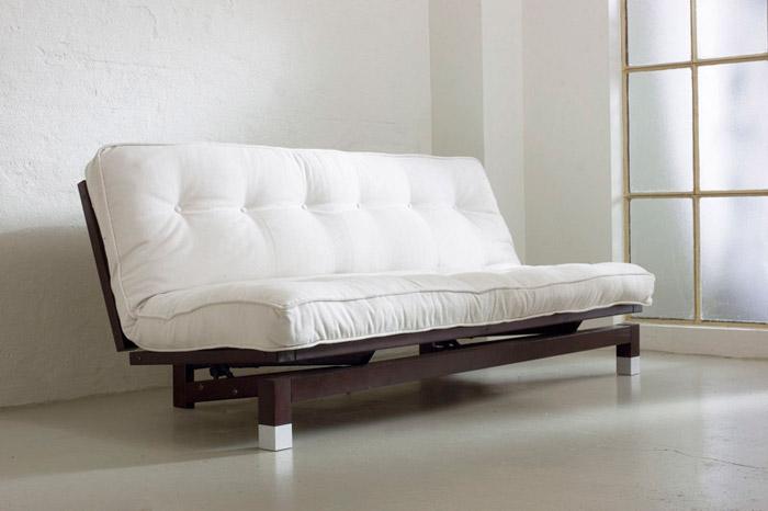 C mo acondicionar un cuarto de invitados en tu departamento for Sofa cama tipo futon